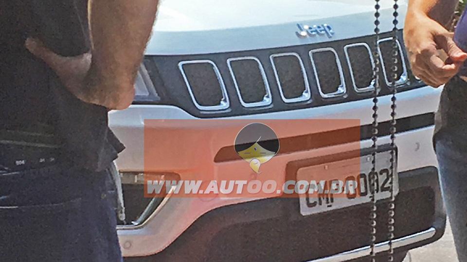 Премьера нового кроссовера Jeep пройдет вконце сентября. Фото 1