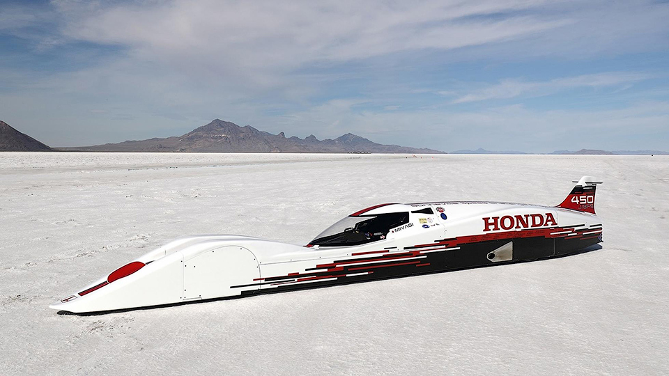 «Хонда» стрехцилиндровым агрегатом разогналась до421 километра вчас