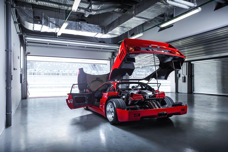 Тест-драйв турбо-Ferrari прошлого инастоящего. Часть вторая: Ferrari F40. Фото 2