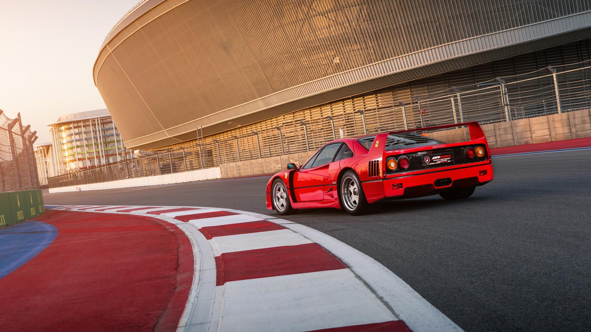 Тест-драйв турбо-Ferrari прошлого инастоящего. Часть вторая: Ferrari F40. Фото 3