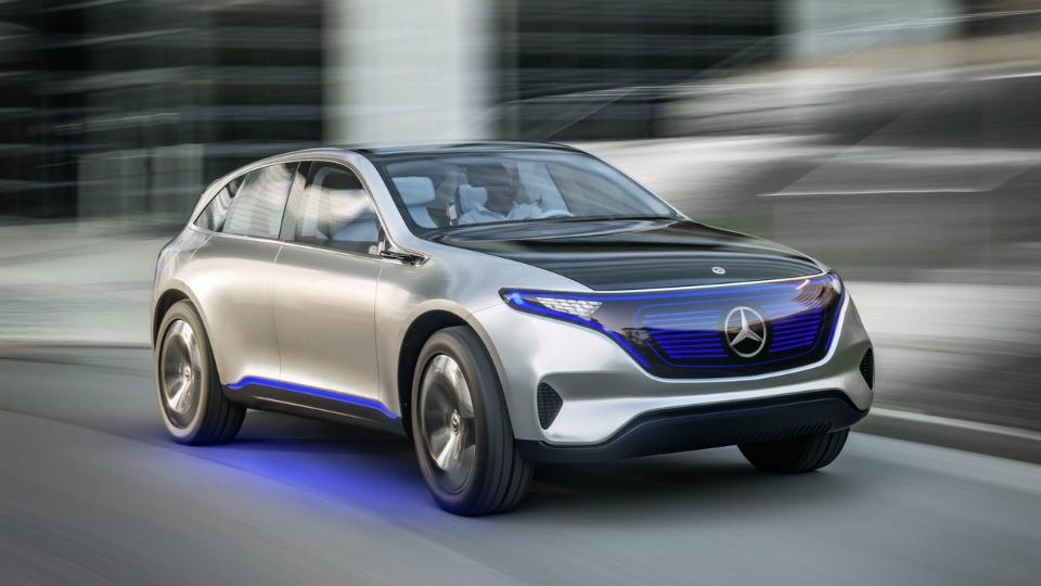 Benz продемонстрировал тизер с новым электрокаром