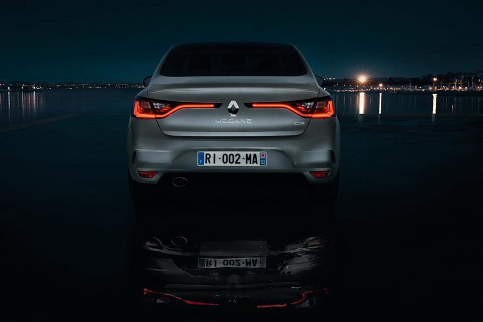 Пять фактов оновом седане Renault. Фото 9