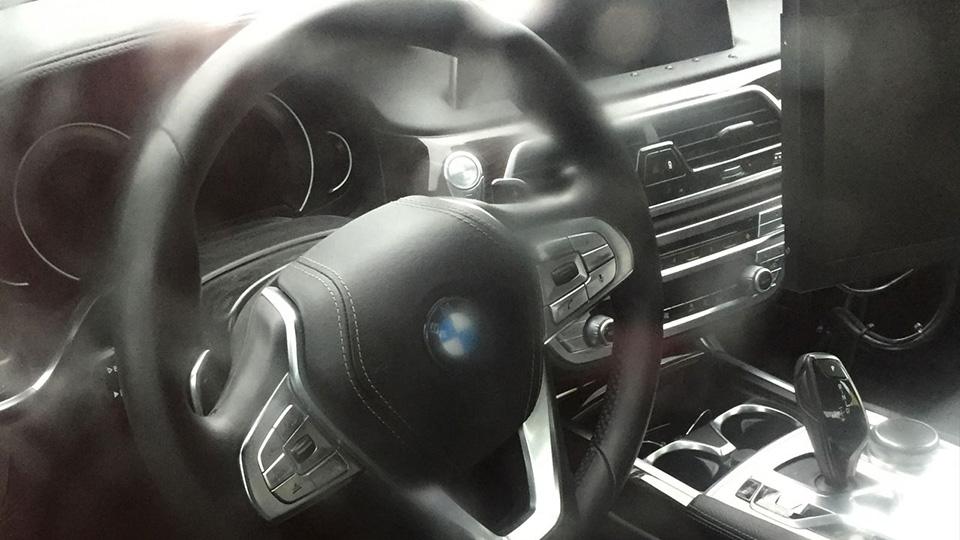 BMW 5-Series получит салон встиле 7-Series последнего поколения