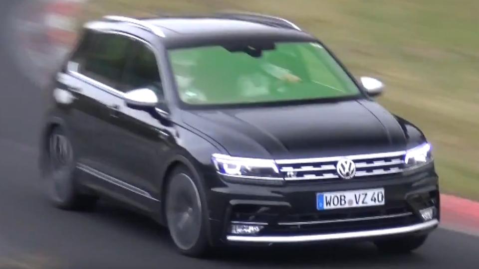«Горячий» VW Tiguan показался натреке