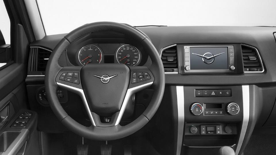 «УАЗ» официально представил модернизированный внедорожник. Фото 1