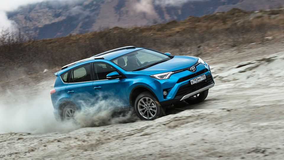 На Тоёта приходится неменее 30% импорта легковых автомобилей в Российской Федерации