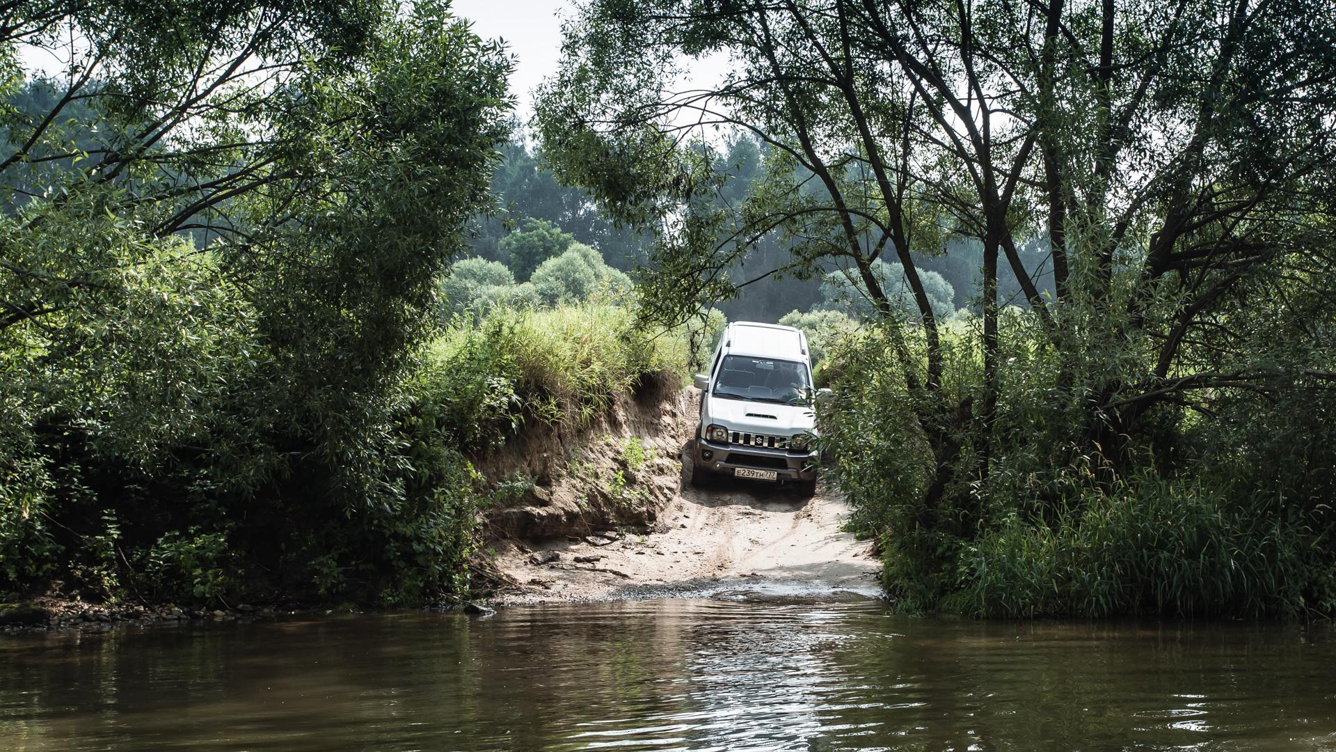 Неочень одухотворенные приключения Suzuki Jimny иJeep Wrangler набездорожье. Фото 6