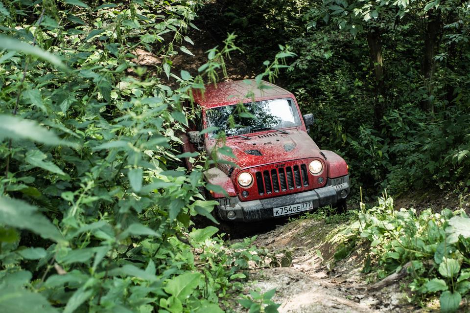 Неочень одухотворенные приключения Suzuki Jimny иJeep Wrangler набездорожье. Фото 16