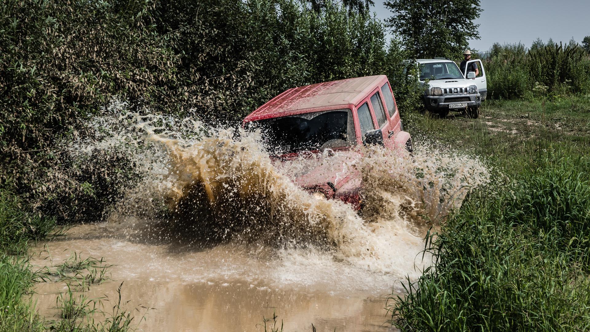 Неочень одухотворенные приключения Suzuki Jimny иJeep Wrangler набездорожье. Фото 4