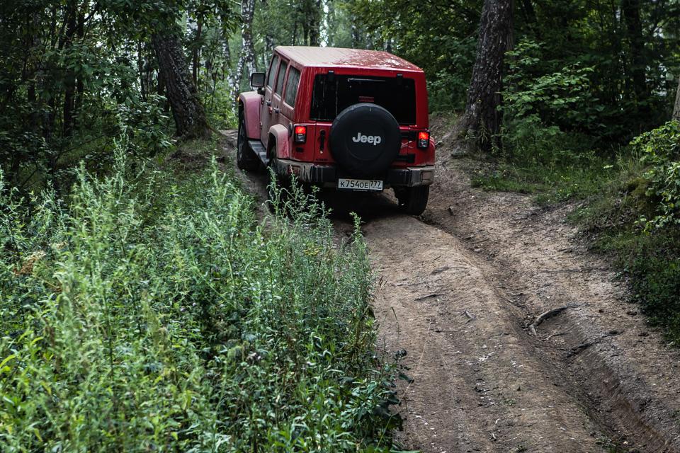 Неочень одухотворенные приключения Suzuki Jimny иJeep Wrangler набездорожье. Фото 13