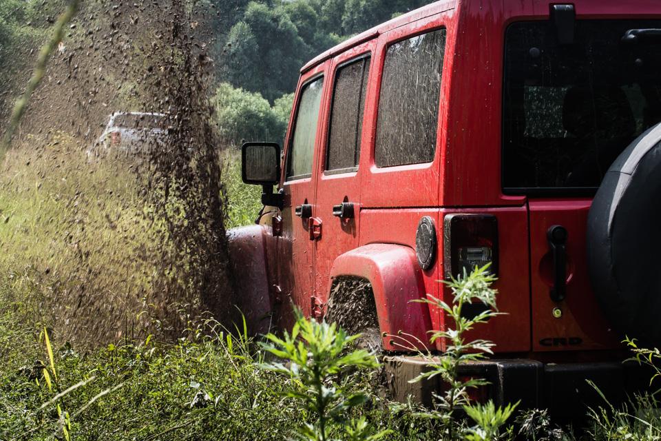 Неочень одухотворенные приключения Suzuki Jimny иJeep Wrangler набездорожье. Фото 19