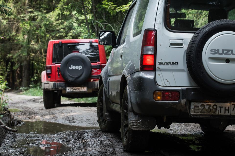 Неочень одухотворенные приключения Suzuki Jimny иJeep Wrangler набездорожье. Фото 3