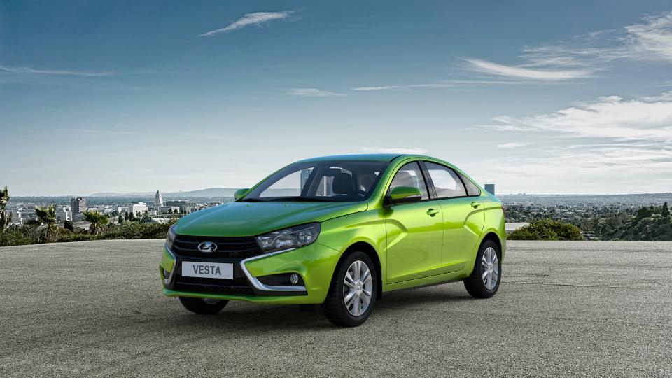 «АвтоВАЗ» начал устанавливать в«Весту» российскую «механику»