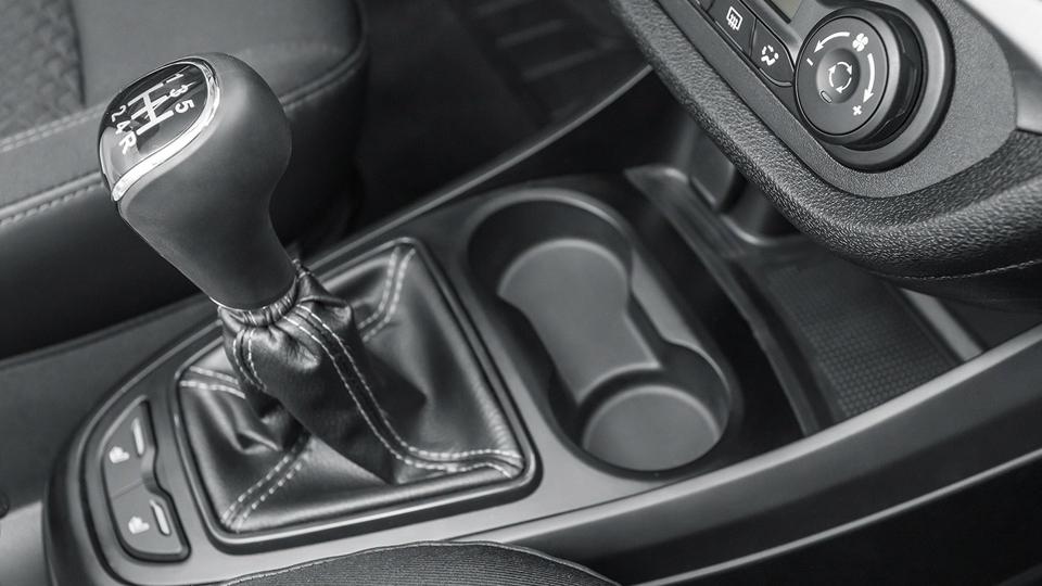 Отказ откоробки Renault вкомпании назвали «инструментом посдерживанию цен»