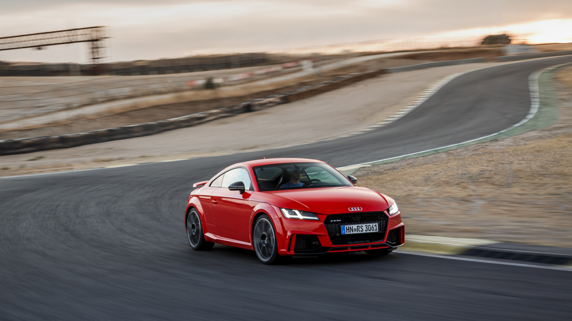 Тест-драйв самой доступной модели Audi, выезжающей изчетырех секунд. Фото 4