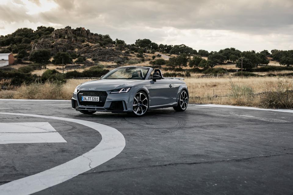 Тест-драйв самой доступной модели Audi, выезжающей изчетырех секунд