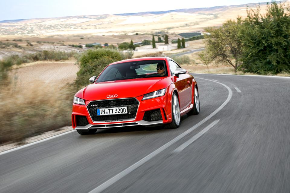Тест-драйв самой доступной модели Audi, выезжающей изчетырех секунд. Фото 3
