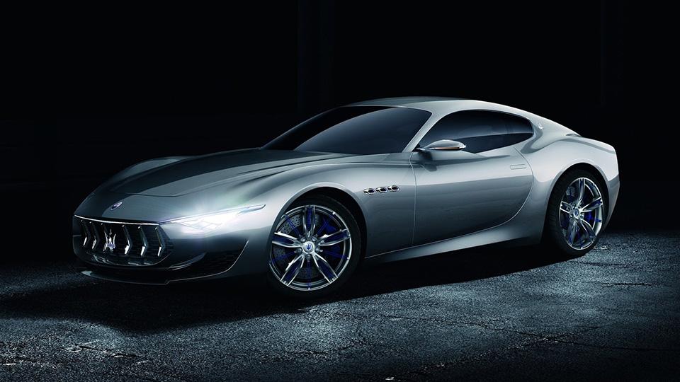 Итальянский автопроизводитель изменил планы выхода новых моделей
