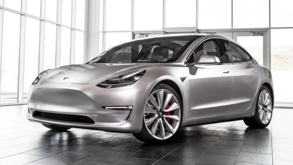 Новые заказчики Tesla Model 3 подождут до 2018г.