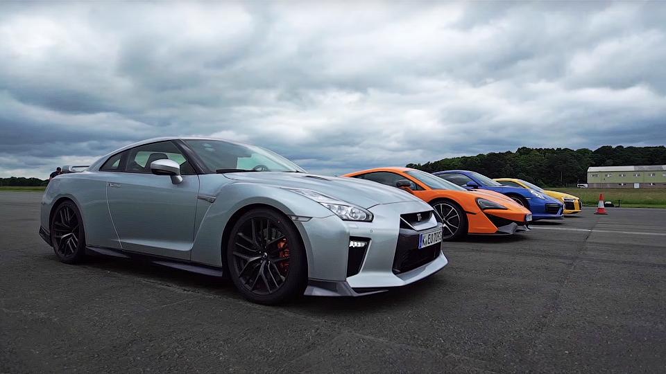 Nissan GT-R, McLaren 570S, Porsche 911 иAudi R8 сравнили вдрэге