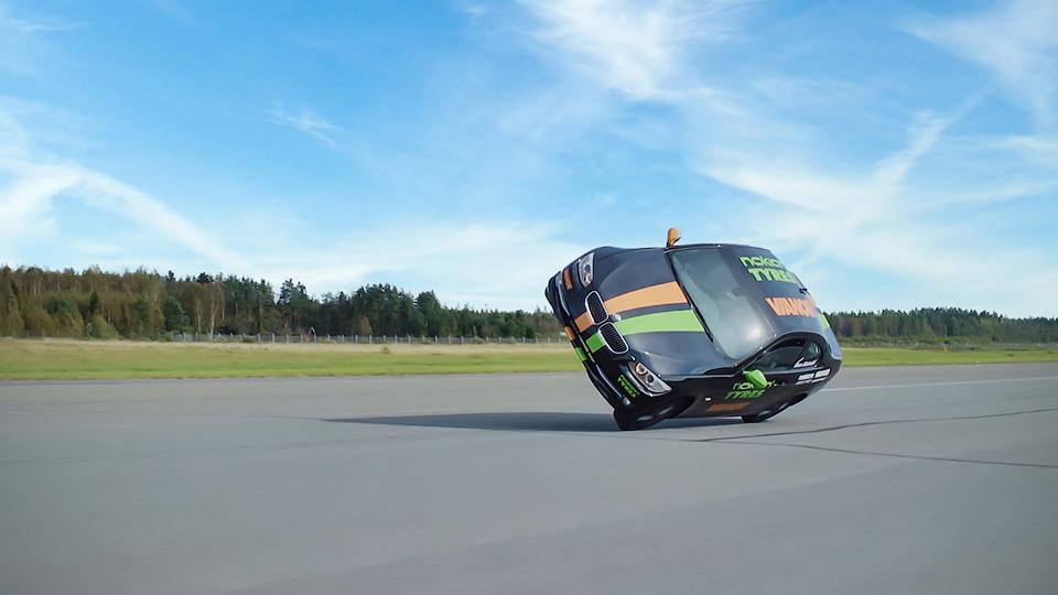 Финн установил мировой рекорд скорости езды надвух колесах
