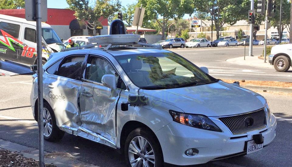 Вкакие неприятности попадали машины савтопилотами. Фото 5