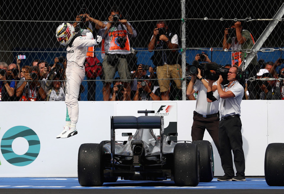 Блудная «бронза», грязная ругань идругие события Гран-при Мексики. Фото 13