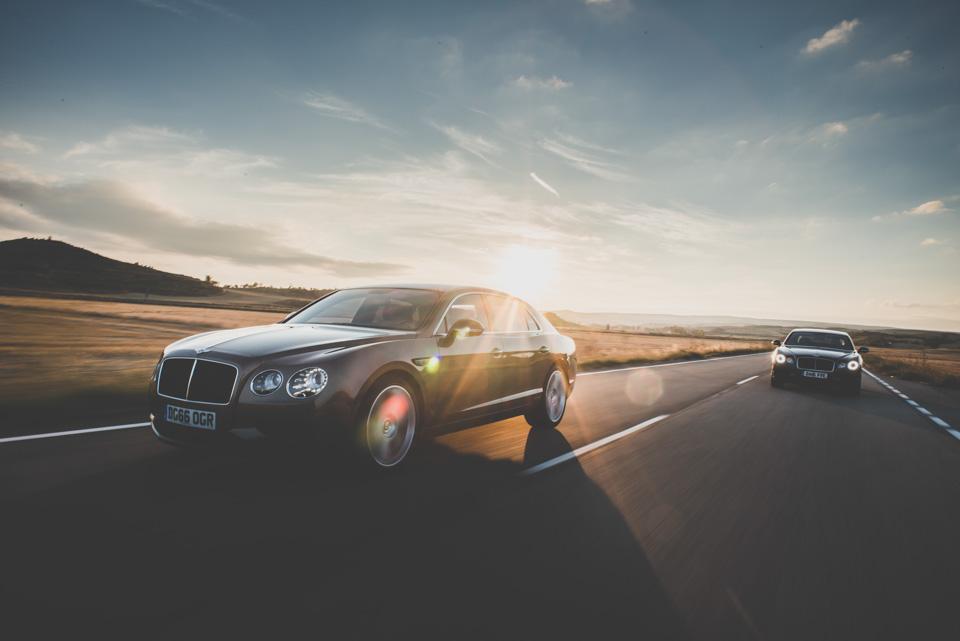 Как повлияла буква Sнатемперамент Bentley Flying Spur V8. Фото 9