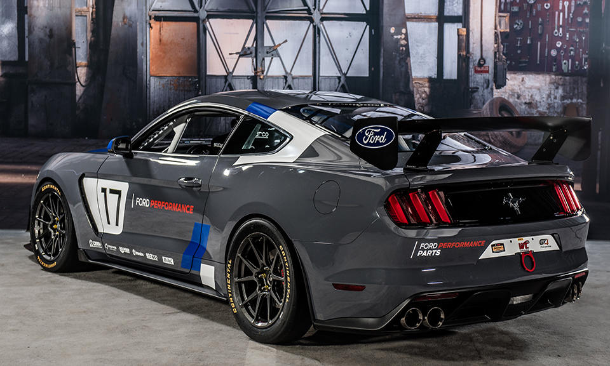 НаSEMA дебютировал Ford Mustang GT4. Фото 1