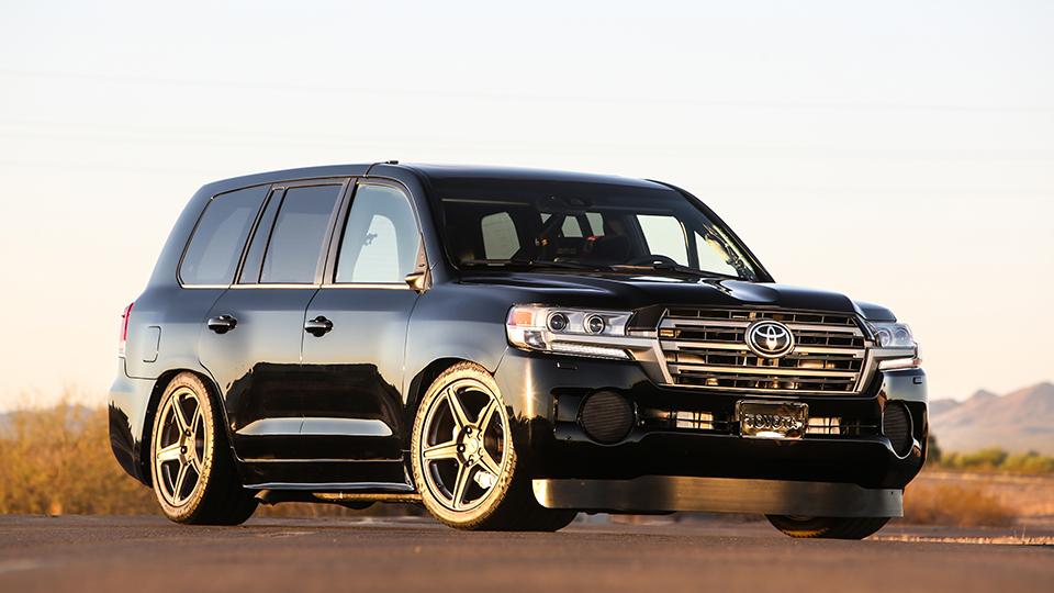«Тойота» сделала 2000-сильный Land Cruiser