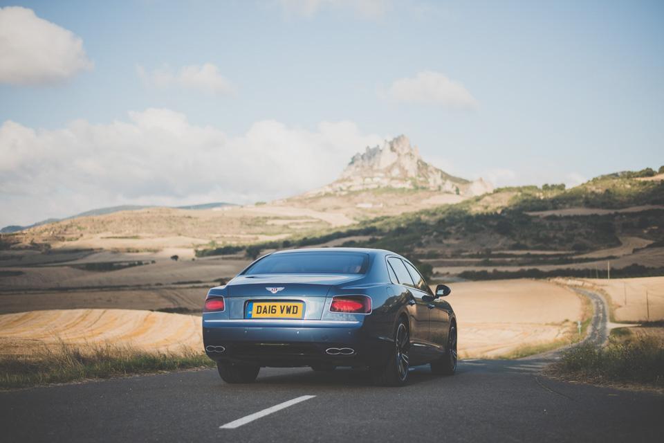 Как повлияла буква Sнатемперамент Bentley Flying Spur V8. Фото 2