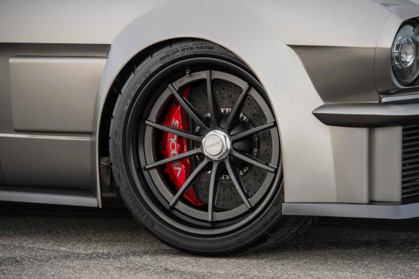 Форд представил новое гоночное купе Mustang GT4
