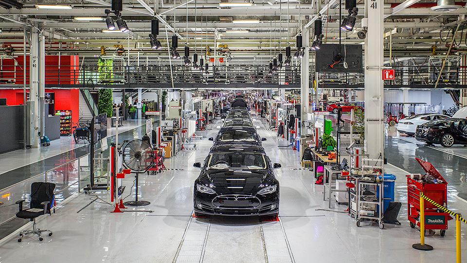 Tesla купила инженерную компанию, чтобы справиться собъемами производства Model 3