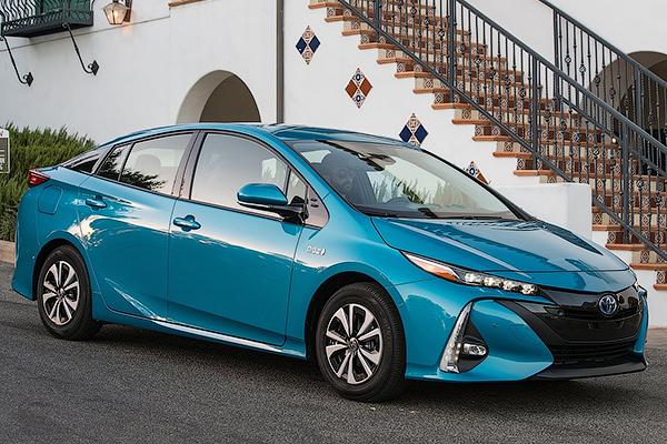 Названы претенденты название лучшей «зеленой» машины года