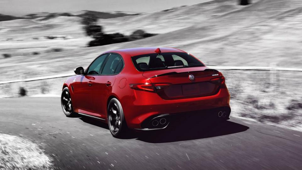 Alfa Romeo выпустит девять новинок к2021 году