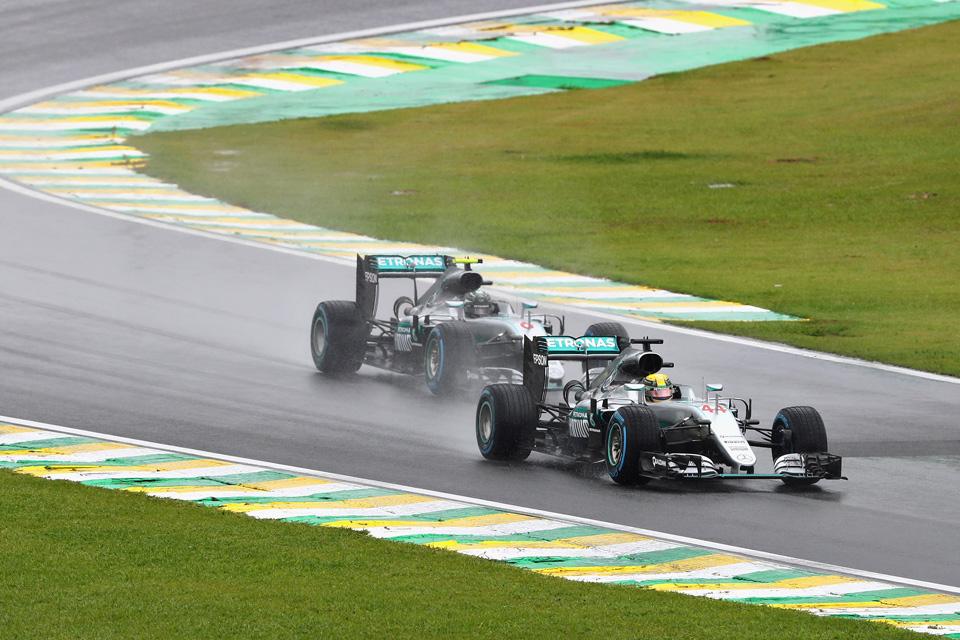 Как пилоты Формулы-1 показали судьям иFIA, что нестоит слишком сильно заних переживать. Фото 2