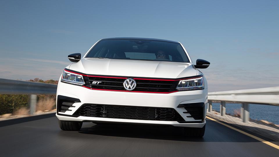 ВЛос-Анджелесе показали прототип Volkswagen Passat GT. Фото 1