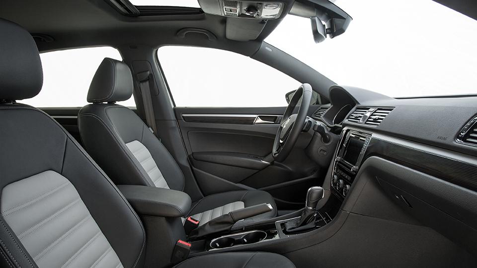 ВЛос-Анджелесе показали прототип Volkswagen Passat GT. Фото 2