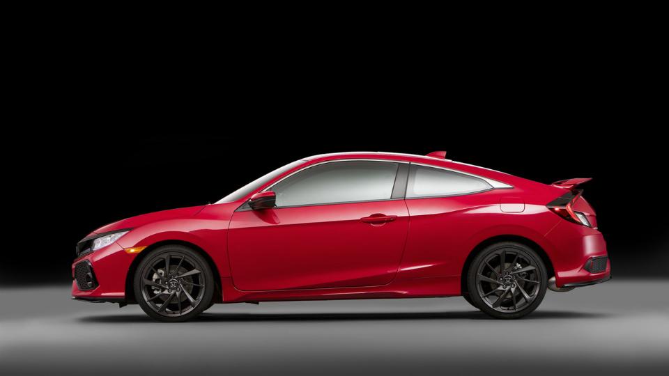 Хонда показала прототип «подогретой» версии Civic