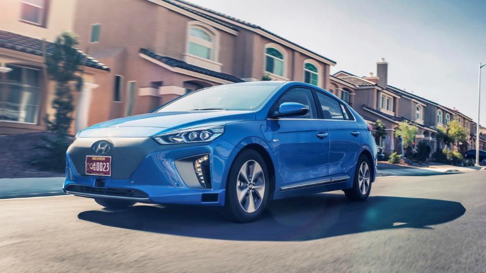 Hyundai испытает наулицах Лас-Вегаса беспилотные гибриды