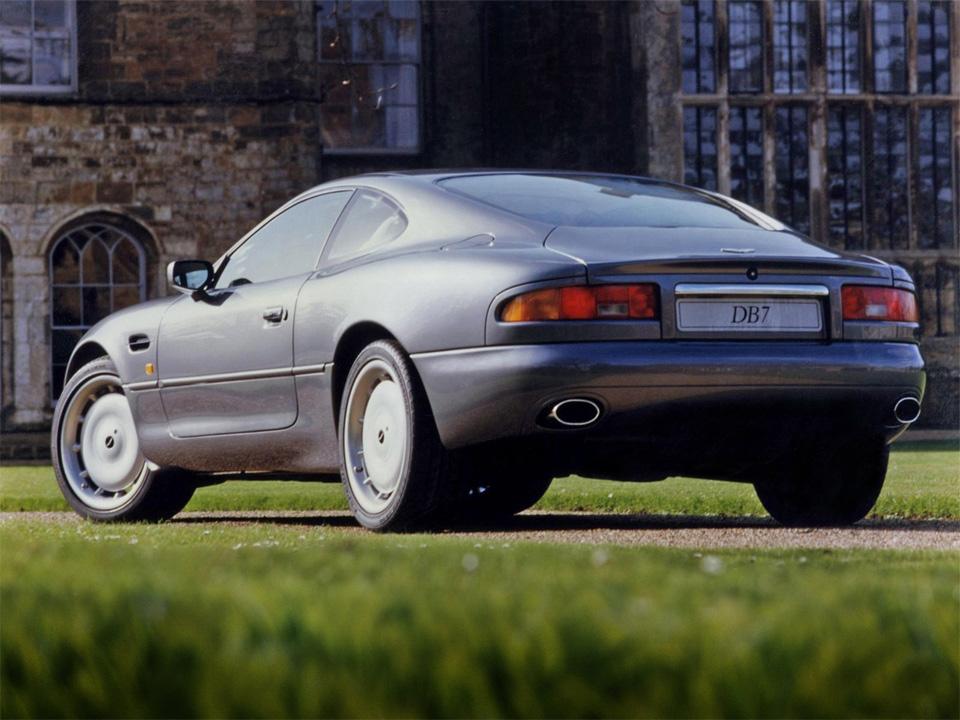 Тест-драйв мечты Джеймса Бонда: Aston Martin DB11. Фото 1