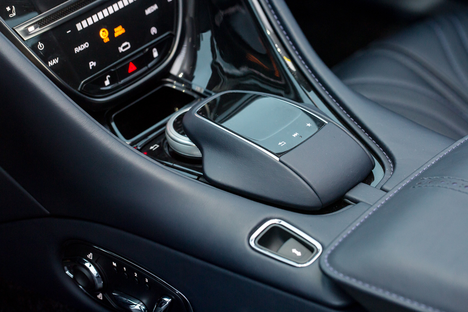 Тест-драйв мечты Джеймса Бонда: Aston Martin DB11. Фото 5
