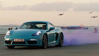 Porsche Cayman vs гоночные дроны. Кто кого обогнал? - Porsche