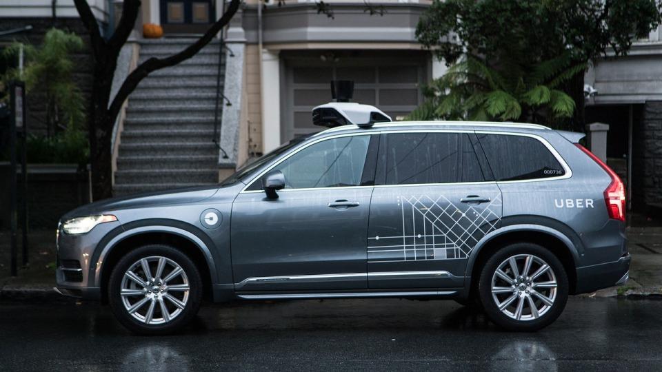 Власти Калифорнии требуют, чтобы Uber свернула сервис беспилотного такси вСан-Франциско