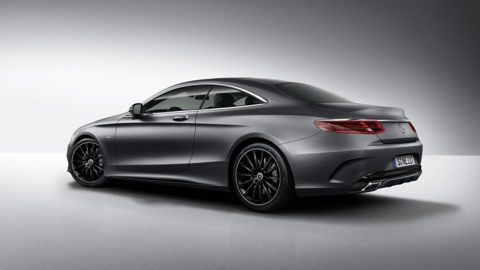 Benz анонсировал купе S-Class вверсии Night Edition