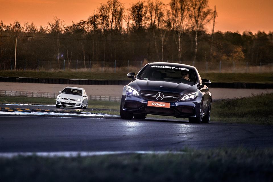 Битва года: BMW M3 против Mercedes-AMG C63. Фото 5