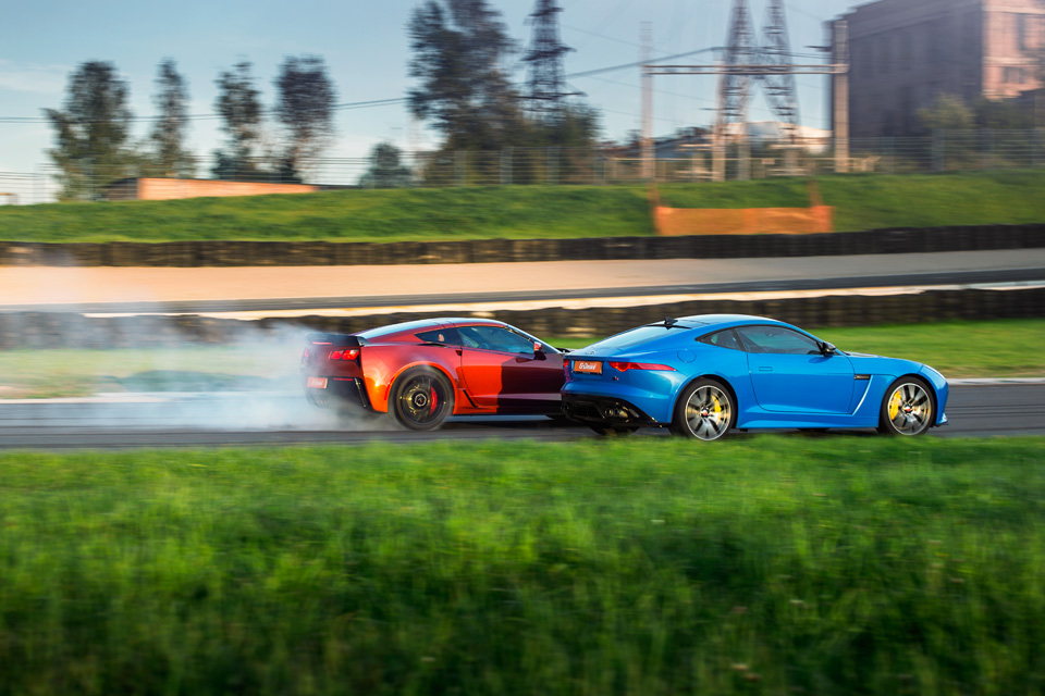 Битва года: Jaguar F-Type SVR vs Chevrolet Corvette Z06. Фото 15