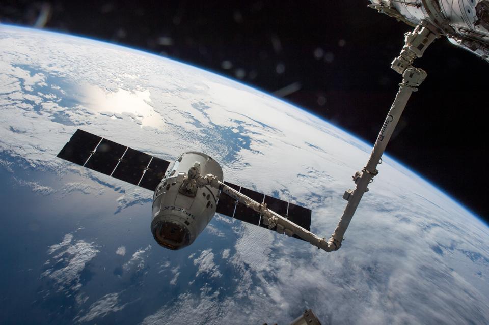 Искусственный разум, вакуумный поезд иполеты наМарс— начто еще тратит деньги создатель Tesla. Фото 7