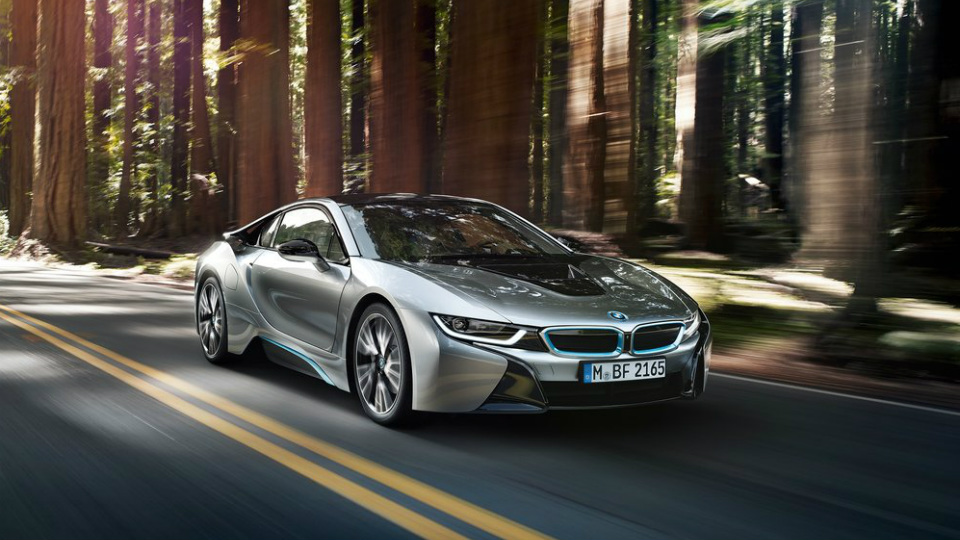 BMW i8 обновится истанет мощнее в2017 году