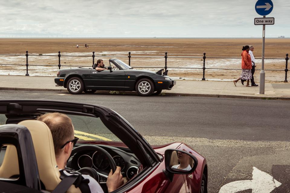 Две Mazda MX-5 исамая опасная икрасивая дорога наземле— трасса Isle ofMan TT. Фото 4